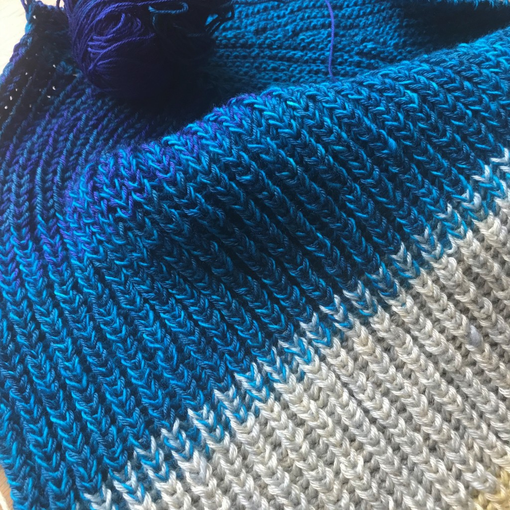 Close up of fisherman's rib knitting.