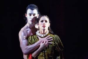 Tobias Batley as Dracula and Martha Leebolt as Mina